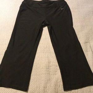 Nike capri cropped lounge pants. Large